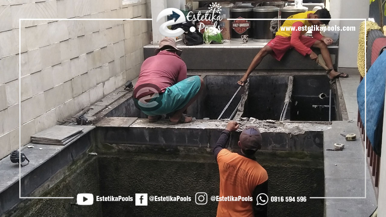 Pekerjaan Bobokan Kolam Ikan Menjadi Kolam Renang